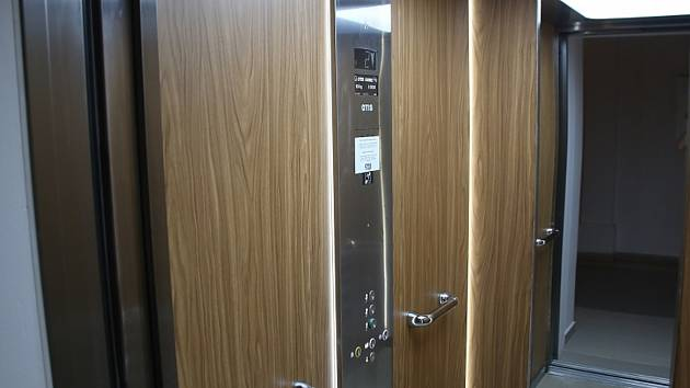 Do pater radnice vyveze občany nový osobní výtah.