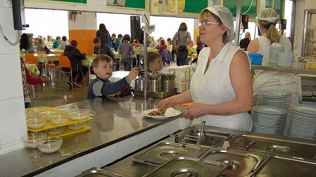 Centrální školní jídelna Lovosice. Archivní foto