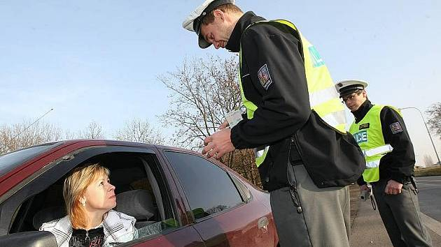 NA LITOMĚŘICKU proběhla v pátek dopravně bezpečnostní akce, při níž bylo nasazeno 26 policistů z litoměřického dopravního inspektorátu, včetně žáků teplické policejní školy.