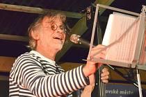 HEREC OLDŘICH KAISER bude jedním z hostů již 22. ročníku hudebního festivalu Litoměřický kořen. Představí se ve dvojici se zpěvačkou a básnířkou Dášou Vokatou.