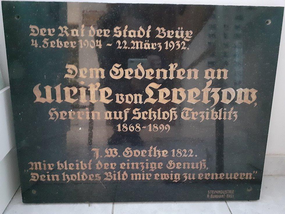 Muzeum v Třebívlicích vlastní různé exponáty ke Goetheovi i baronce.