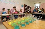 Waldorfská škola v Třebušíně. Zatím zde učí žáky od první do třetí třídy.