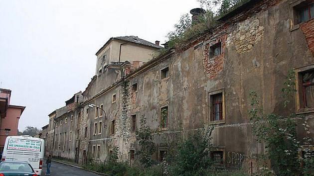 Bývalý pivovar v Roudnici.
