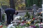 Dušičky na litoměřickém hřbitově.