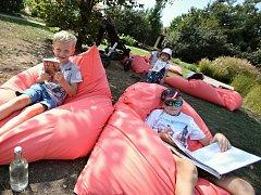 Čtení v parku Václava Havla v Litoměřicích