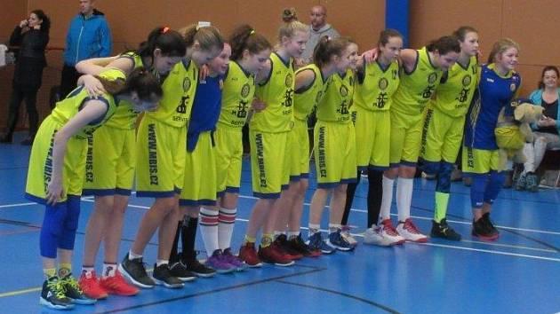 Litoměřické basketbalistky před utkáním.