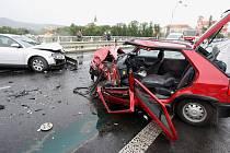 Řidička je po tragické nehodě vážně zraněna.