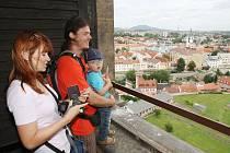 TURISTICKÁ SEZONA se v Litoměřicích pomalu chýlí ke konci. Během léta město navštívili turisté ze všech kontinentů. Nejvíce zastoupenými cizinci jsou již tradičně Němci. Město návštěvníky láká na historické památky, ale také na pivo a víno místní výroby