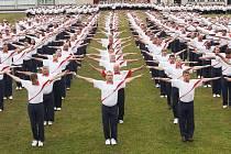 Slet šesti tisíc Sokolů z Česka i ze zahraničí na Tyršově stadionu v Roudnici nad Labem.