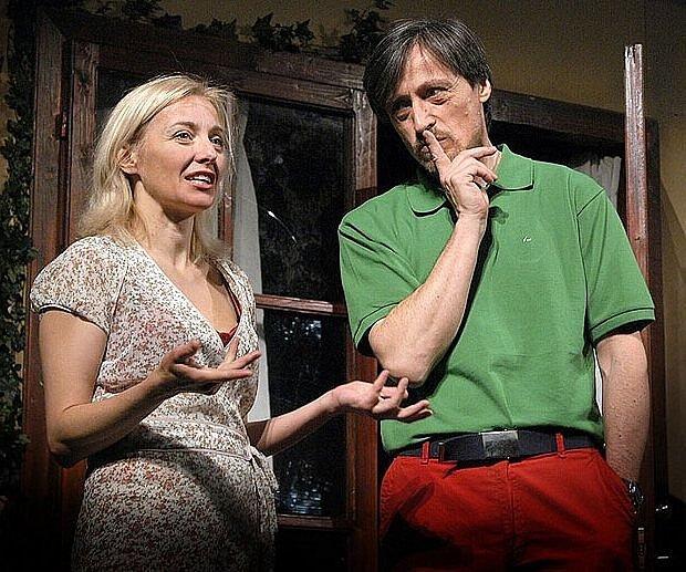 Veronika Žilková a Martin Stropnický ve hře Kachna na pomerančích.