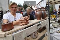 Tradiční keramický jarmark proběhl v Levíně na Litoměřicku.
