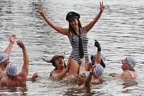 Novoroční koupání v řece Ohři v Libochovicích