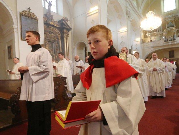 Missa chrismatis v katedrále sv. Štěpána v Litoměřicích.