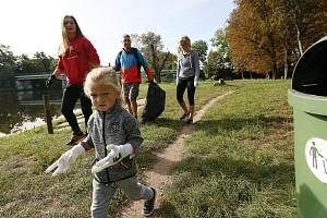 Do akce Ukliďme Česko se zapojili i dobrovolníci v Bohušovicích.