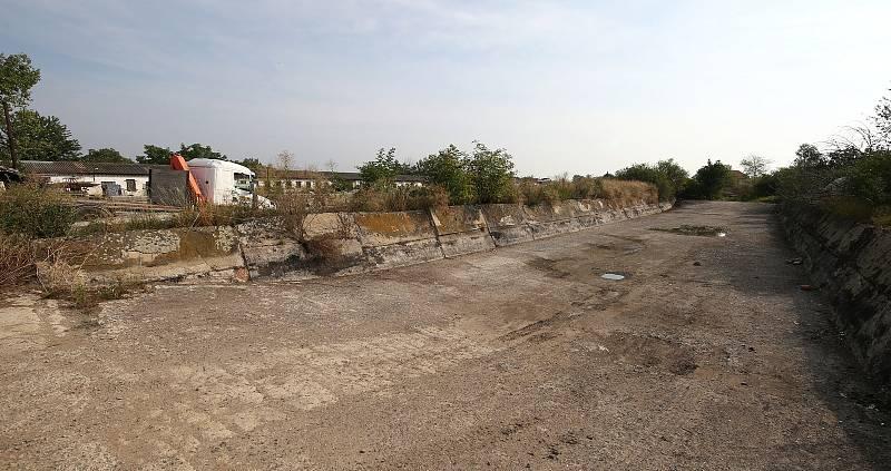 Ekologickou zátěž v silážních jamách v Rohatcích se podařilo zlikvidovat. Jámy jsou již čisté a využití najdou v obci na likvidaci bioodpadu.