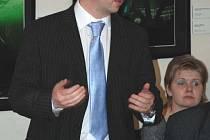NA ZÁVAŽNÉ TÉMA. Na konferenci v Litoměřicích vystoupil také ředitel Lovochemie Richard Brabec.