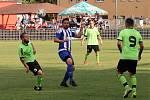 Roudnice - Benešov, I. A třída 2018/2019. Fotbalisté Roudnice (bílomodří) porazili v rozlučce s domácími diváky Benešov hladce 5:0.