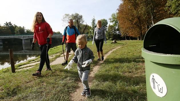 Akce Ukliďme Česko a dobrovolníci v Bohušovicích v září roku 2020