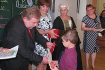 ZAHÁJENÍ nové školního roku v Terezíně mělo slavnostní atmosféru. Dorazila i Marie Terezie.