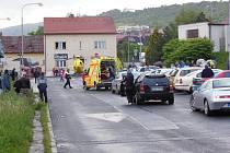 Vrtulník záchranné služby způsobil u nehody v Pokraticích velké pozdvižení.