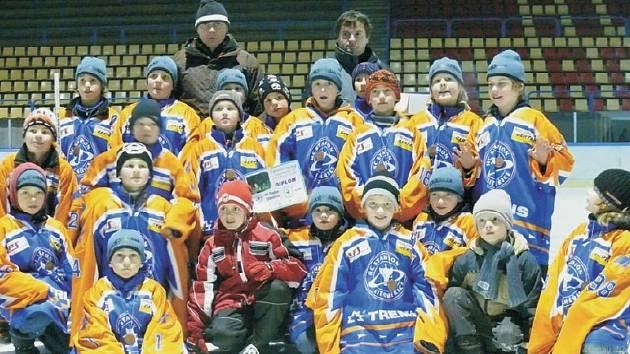POSTUP. Parádní sezonu za sebou mají čtvrťáci litoměřického Stadionu, kteří si jako vítězové krajského přeboru vybojovali postup na domácí šampionát.