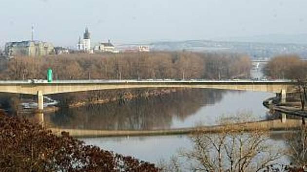 Most generála Chábery v Litoměřicích těsně po dokončení.