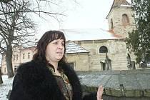 ČERNĚVES. Starostka Jitka Dyrynková chce s pomocí církve žádat o dotace a kostel sv. Prokopa opravit.