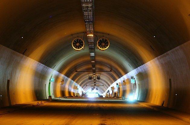 Pravá trouba tunelu Radejčín