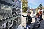 Výstava historických fotografií s názvem 100 let republiky - 100 let Lovosic na Václavském náměstí