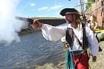 Piráti svedli bitvu v terezínské pevnosti.