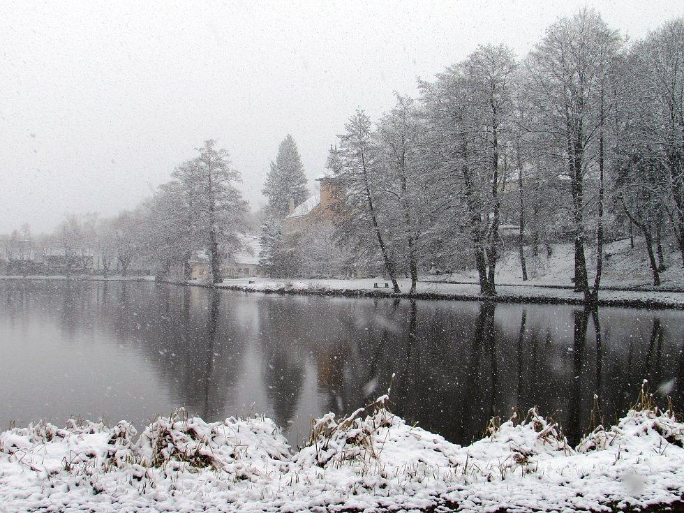 První dubnová středa v Úštěku na Litoměřicku připomínala spíše zimní den.