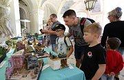 Plastikoví modeláři se sešli na zámku v Ploskovicích