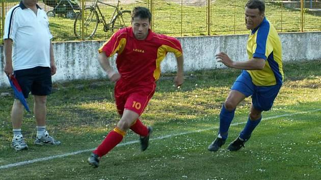 V utkání skupiny A si fotbalisté Terezína vyšlápli na Pokratice.