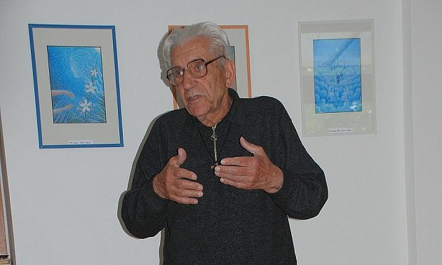 Autor P. Ing. Stanislav Weigel se vernisáže osobně zúčastnil.