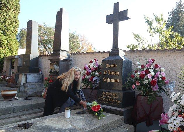 Na litoměřickém hřbitově si připomněli 180let od narození Ludwiga Schlesingera.