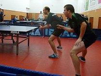 Stolní tenisté TTC Litoměřice při utkání.