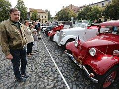Sraz veteránů a historická módní přehlídka v Roudnici nad Labem