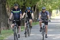 Labská cyklostezka ve Velkých Žernosekách.