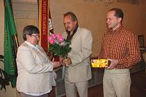 Jiřině Benešové poděkoval starosta města Ladislav Chlupáč s místostarostou Václavem Červínem.