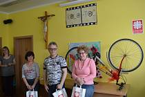 Diecézní charita Litoměřice si pro seniory z Litoměřic a okolí připravila zábavní vědomostní soutěž KOLO-TOČ. Celkem se zúčastnilo 59 soutěžících.