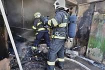 Požár garáže v Drahobuzi.