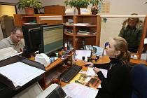 POSLEDNÍM DNEM roku 2010, kdy bylo možné v Lovosicích zažádat nebo vyzvednout řidičský průkaz, byl Silvestr.