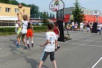 TAKÉ LETOS se na kurtech BK Real sešlo několik desítek basketbalových nadšenců.