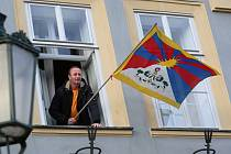 Pracovník Městského úřadu v Litoměřicích Pavel Řídel vyvěsil tibetskou vlajku