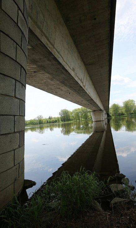 Most přes Labe ve Štětí. Archivní foto