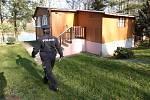 Policisté kontrolují chatové oblasti