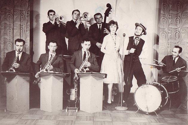 V Lovosicích kultura byla před téměř šedesáti lety na vysoké úrovni. Už v roce 1962 zde působila řada zajímavých hudebních souborů a jména Šochman, Feix, Škop nebo Riedl nebudou pro pamětníky neznámá.