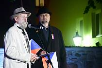 Večer vrcholil příchodem a projevem prezidenta Tomáše Garriqua Masaryka, skvěle ztvárněném Zdeňkem Vlčkem.