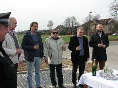 Otevření zrekonstruovaného parkoviště u vlakového nádraží v Hněvicích.