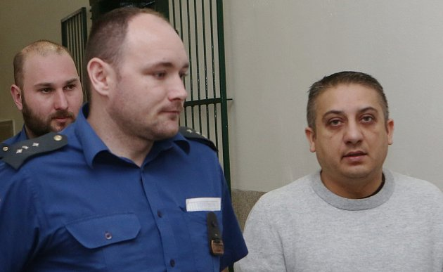 Před Okresním soudem vLitoměřicích stanul Milan K. Je obžalovaný zprodeje, distribuce a výroby omamných látek.